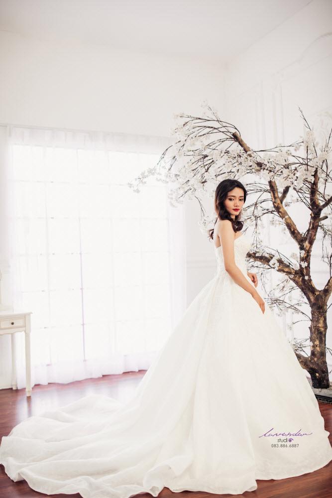 váy cưới cổ điển