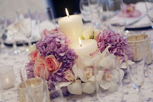 hoa tươi bàn tiệc cưới
