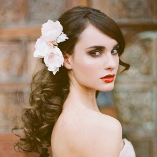 kinh nghiệm trang điểm cô dâu