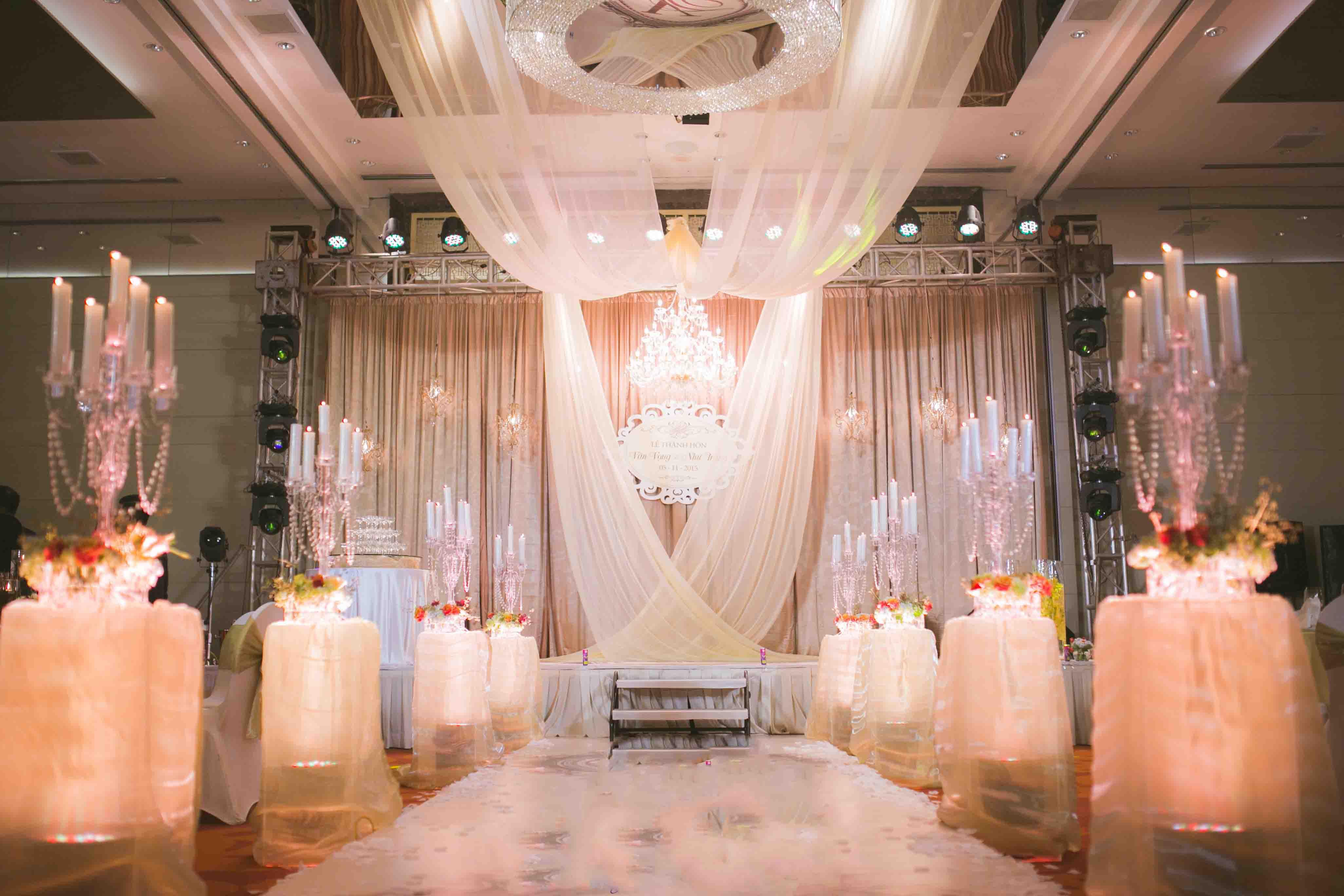 chọn công ty tổ tiệc cưới