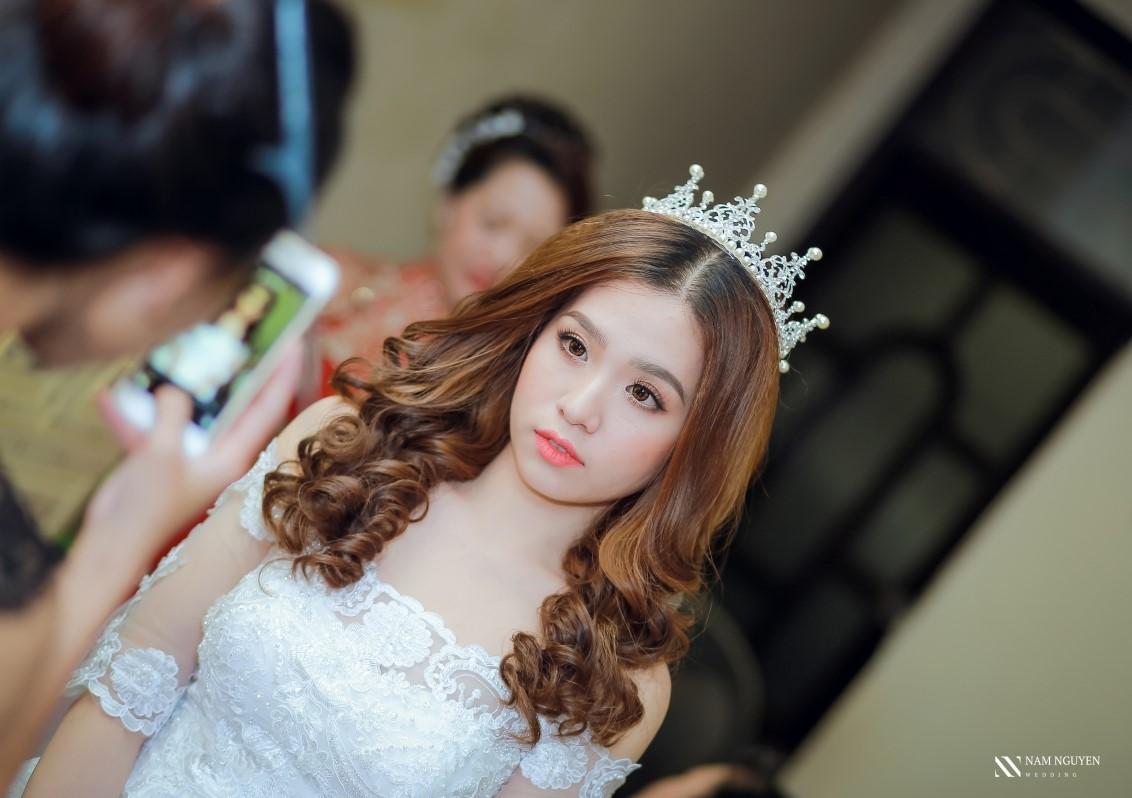 Trang điểm cô dâu hiện đại