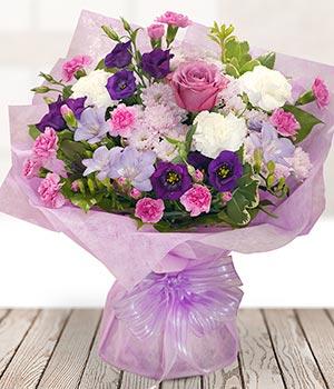 Shop điện hoa Lavender Flowers cung cấp dịch vụ điện hoa tại huyện Củ Chi. 2