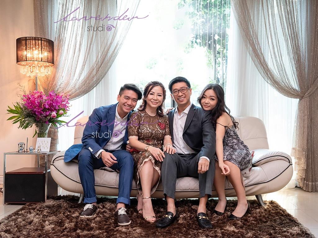 Chụp hình gia đình tại nhà