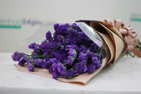 Những bó hoa cưới đẹp từ hoa Lavender